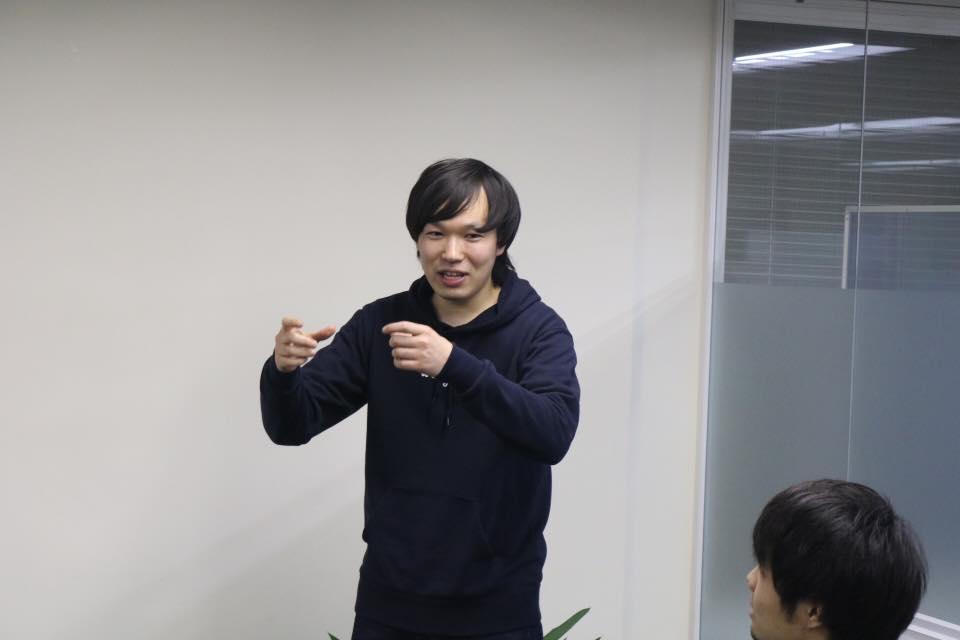イベントに話す新田さん